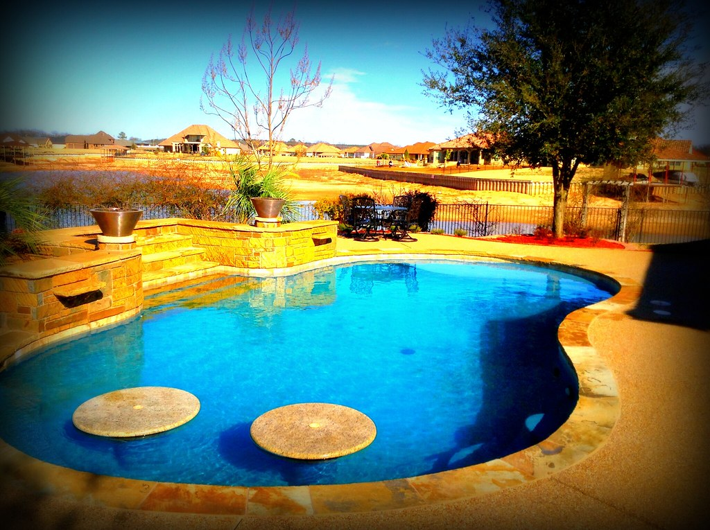 Backyard swimming pools designs dallas tx rachael edwards for Pool design dallas texas