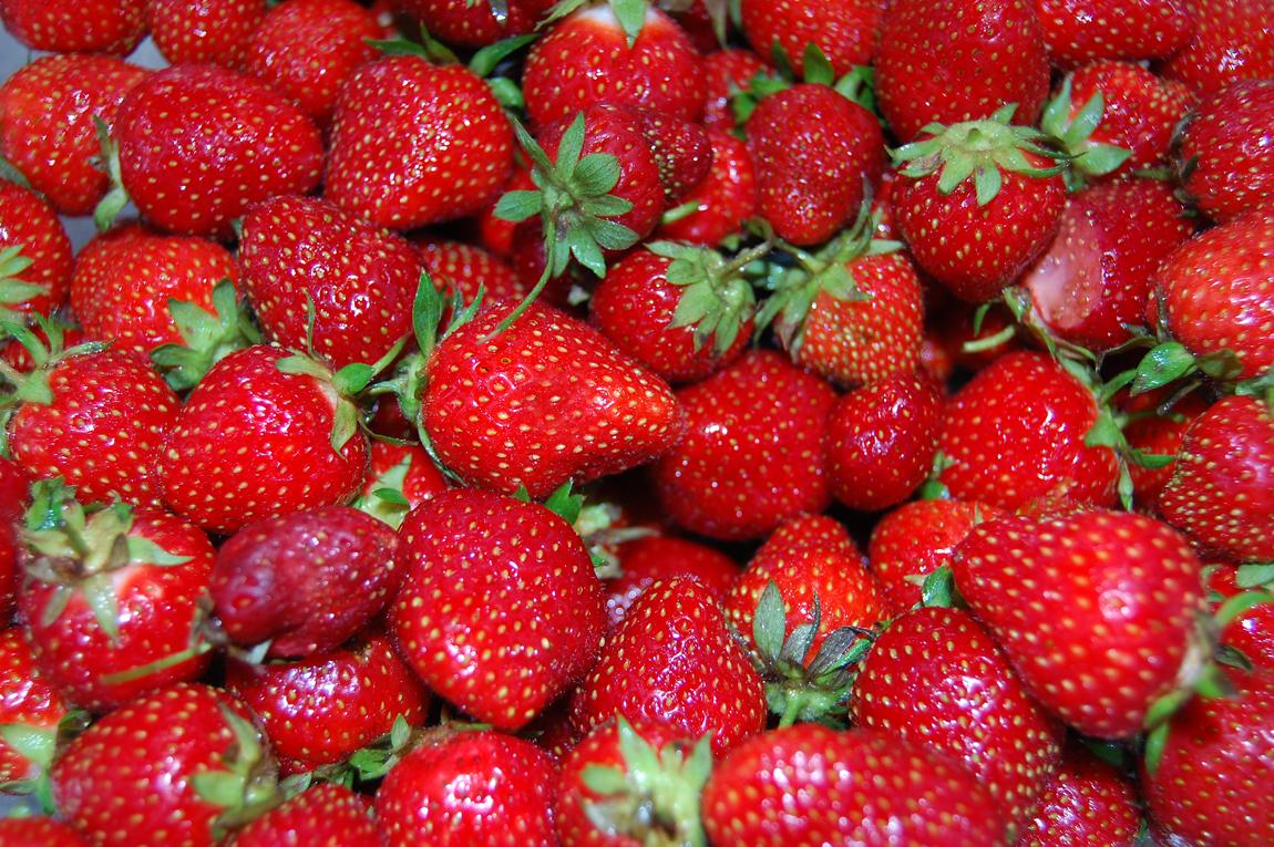 StrawberriesCloseUp