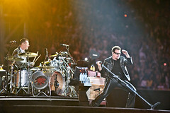 U2 (Larry Mullen Jr. & Bono) _U201425xr