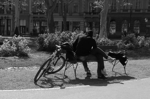 Zagreb Cycle Chic Kissing