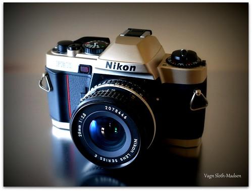 Nikon FE10 Review