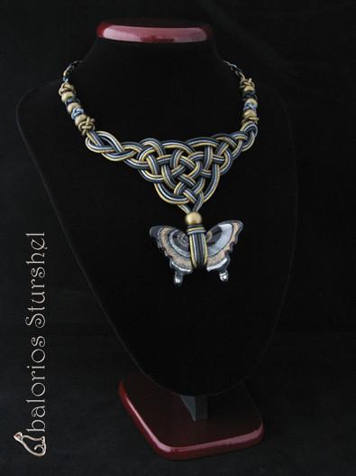 Collar Guinivere Mariposa Negra BLOG