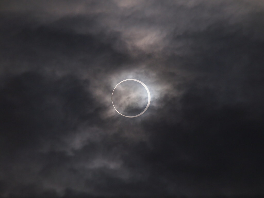 Annular solar eclipse 2002