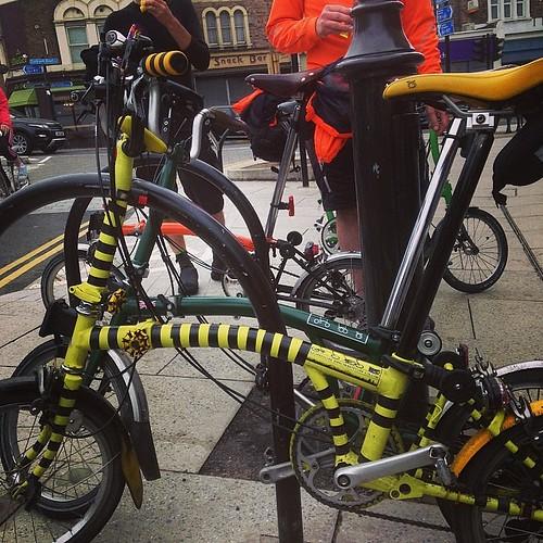 London Classic ride. Short put stop before big hills  #urban #bromptonbicycle #brompton #lbclub