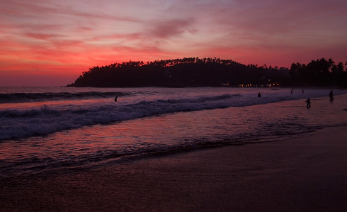 ocean sunset red sky beach colors island twilight colorful waves colours dusk colorfull south wave sri lanka srilanka ceylon redsky mirissa mirissabeach