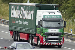 Volvo FH 6x2 Tractor with 3 Axle Curtainside Trailer - PX10 DHV - H4490 - Demi Leigh - Eddie Stobart - M1 J10 Luton - Steven Gray - IMG_5134