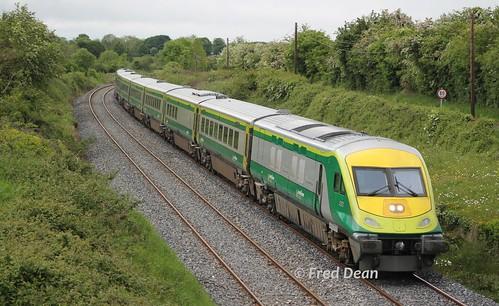 Irish Rail 4002 at Goold's Cross