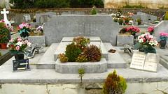 Dax, Landes: cimetière Saint-Vincent, sépulture Albaladejo dont Raymond Albaladejo, joueur de l'US et frère de Pierre, décédé dans un accident de la circulation en septembre 1964 avec  Émile Carrère et Jean Othats.