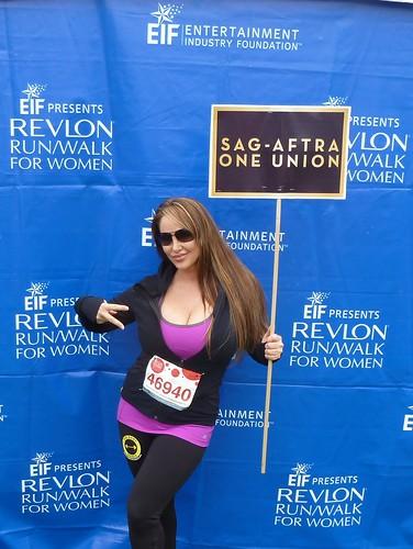 Robin Arcuri EIF REVLON WALK For Women's Cancers