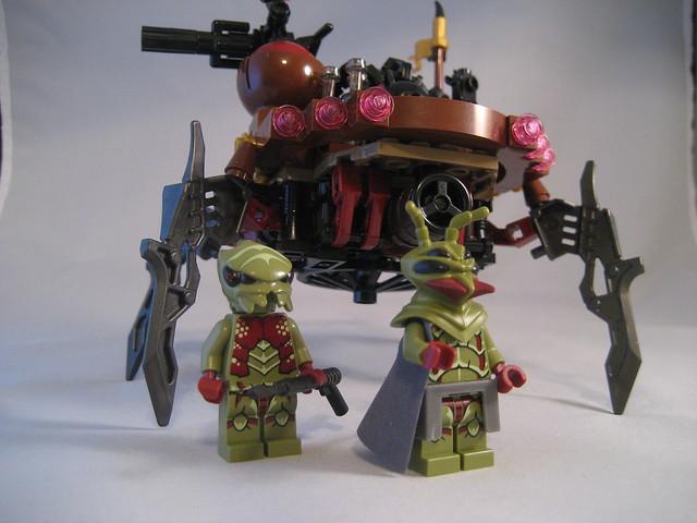 Alien Strider crew