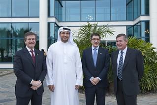 De izquierda a derecha, el consejero de Industria del Gobierno Vasco, Bernabé Unda, el responsable de MUBADALA, Khaldoon Khalifa Al Mubarak, el lehendakari, Patxi López, y el presidente de SENER, Jorge Sendagorta.