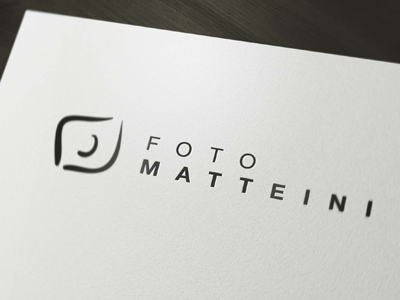 logo_mockup_display_1mini