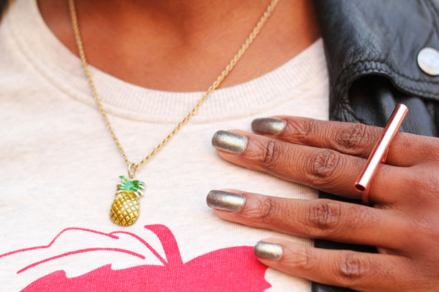 pineapple necklace monki ring