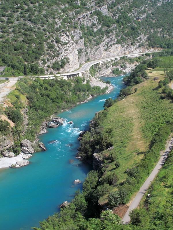 Rivière depuis le train