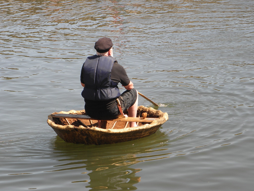 Coracle from behind