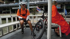 Colour coordination, Chao Phraya River Ferry, Bangkok Bicycle Tour