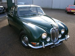 executive car(0.0), jaguar xk140(0.0), jaguar mark ix(0.0), bmw 501(0.0), jaguar xk150(0.0), sedan(0.0), sports car(0.0), automobile(1.0), daimler 250(1.0), jaguar xk120(1.0), jaguar mark 2(1.0), vehicle(1.0), mid-size car(1.0), jaguar mark 1(1.0), mitsuoka viewt(1.0), antique car(1.0), classic car(1.0), vintage car(1.0), land vehicle(1.0), luxury vehicle(1.0), jaguar s-type(1.0),