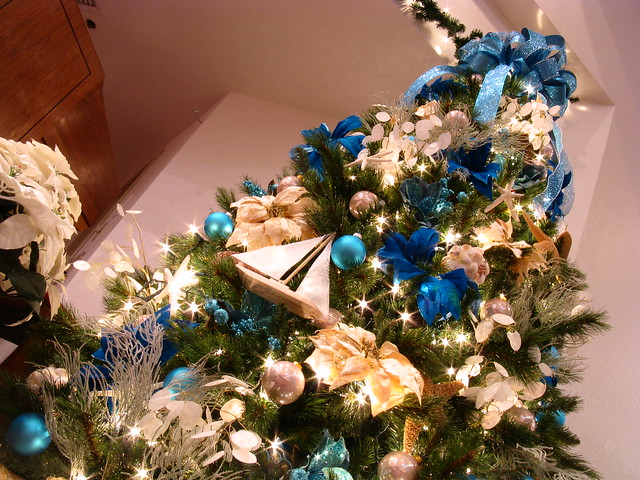 Blue ocean surf and sand 9 foot themed christmas tree - Blue themed christmas tree ...