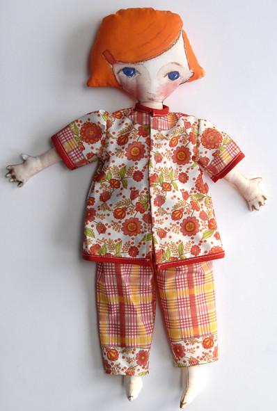 poupée en tissu en kit pyjama