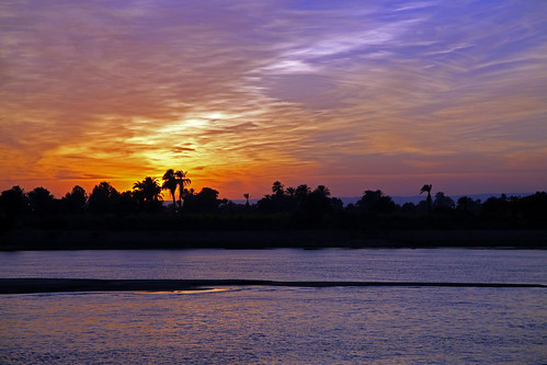 cruise blanco azul río canon river landscape twilight egypt paisaje nile 5d egipto anochecer nightfall markii crepúsculo crucero nilo photographyrocks kagera flickraward spiritofphotography flickrunitedaward mygearandmepremium