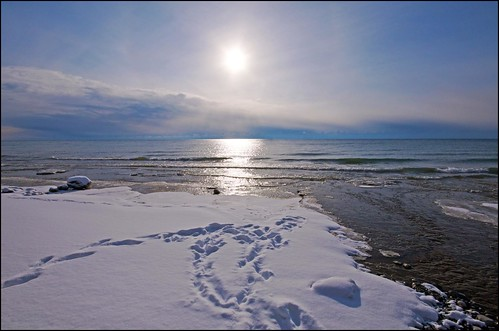 sun snow ontario water clouds tracks lakeontario cobourg lucaspoint