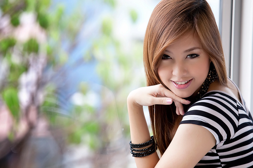 Download this Beautiful Thai Girl Portrait Photoshop Woman Fashion People picture
