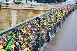 Paris les cadenas du pont de l'Archevêché