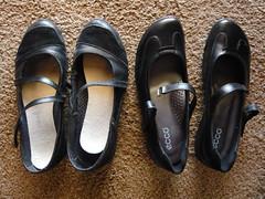 outdoor shoe(0.0), limb(0.0), leg(0.0), slipper(0.0), footwear(1.0), shoe(1.0), leather(1.0), sandal(1.0),