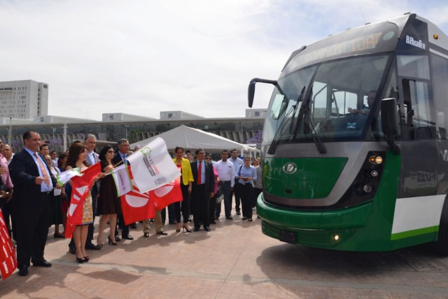 DINA banderazo salida autobus articulado Dina  Brighter para el sistema Optibus de Leon, Guanajuato Vision Automotriz-10