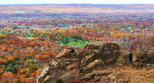 autumn meriden johnjmurphyiii connecticut hubbardpark fall newengland october usa 06451 foliage