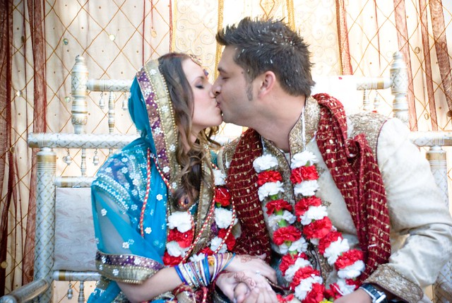 Bilingual wedding ceremony tips from @offbeatbride #bilingual #wedding