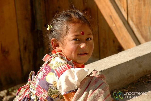Smile and a Bindi - Annapurna Circuit, Nepal