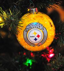 Christmas 2010 - Pittsburgh Steelers Christmas tree ornament  f47ed56bd