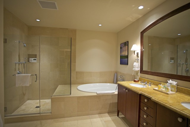 Master Bath With Walk In Shower And Soaker Tub Flickr Photo Sharing