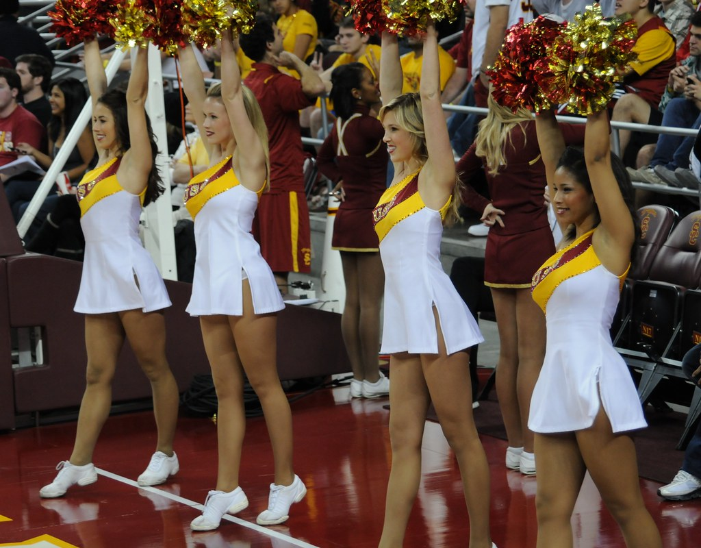 Cheer leaders vs basketball players orgy fuck - 5 5