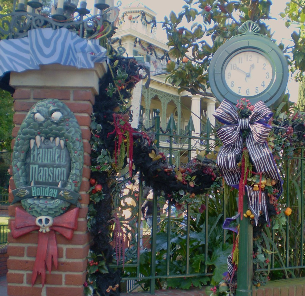 New Orleans Square Christmas Decorations Photos
