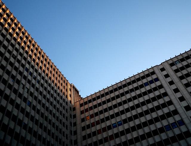 Edificios plaza de los cubos flickr photo sharing for Plaza los cubos madrid