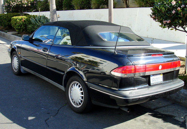 carspotting oceanside 1995 or 1996 saab 900s convertible. Black Bedroom Furniture Sets. Home Design Ideas