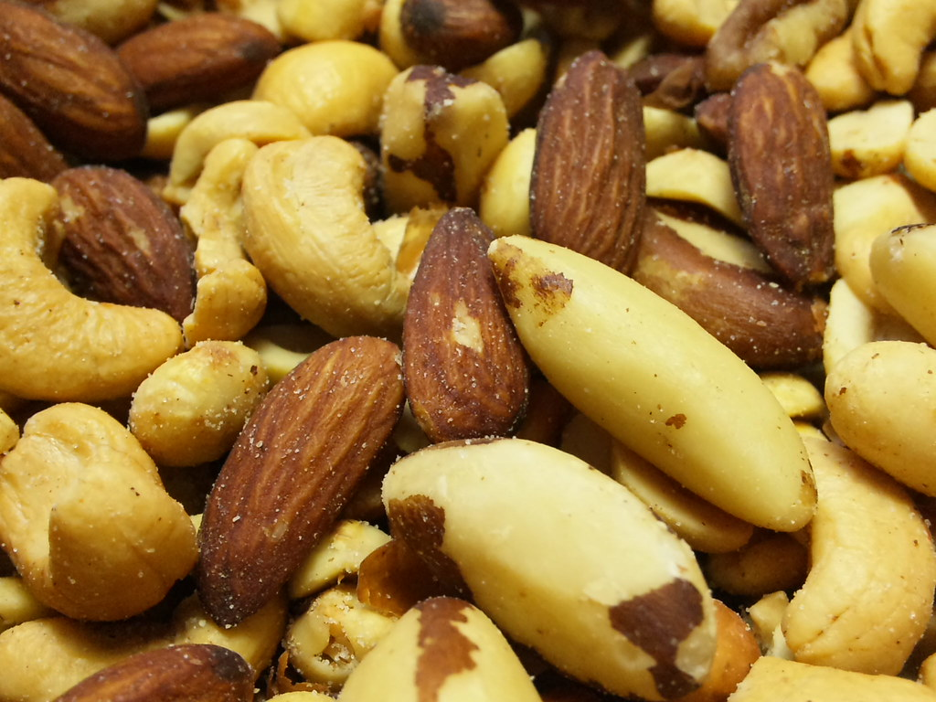 mixed nuts oil roasted, with peanuts, without salt added