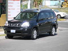 honda(0.0), mazda tribute(0.0), automobile(1.0), automotive exterior(1.0), sport utility vehicle(1.0), vehicle(1.0), nissan x-trail(1.0), minivan(1.0), compact sport utility vehicle(1.0), crossover suv(1.0), nissan(1.0), land vehicle(1.0),
