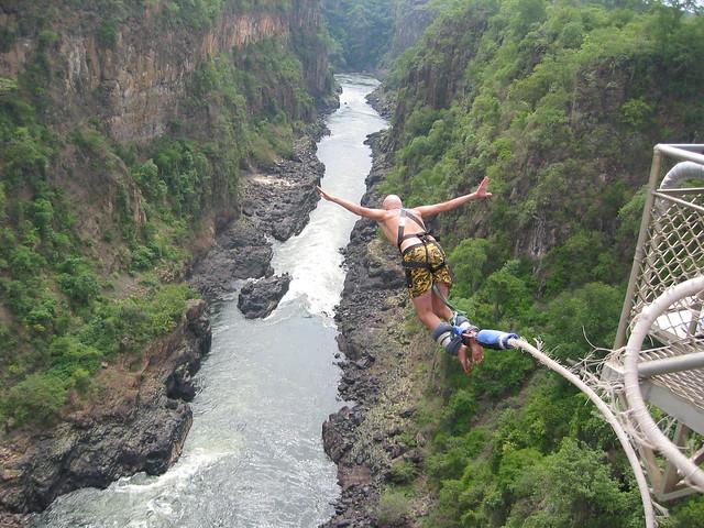 Bungee jump victoria falls flickr photo sharing for Piscina del diablo