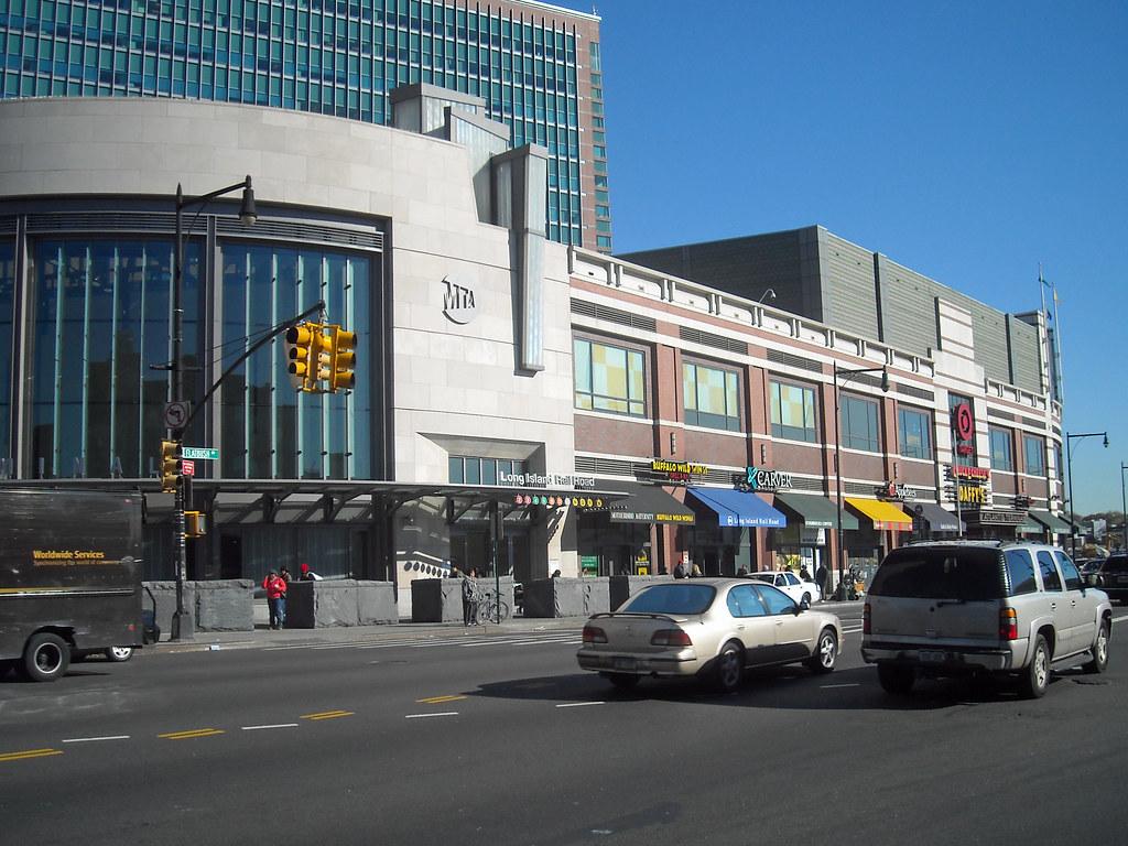 new york shopping malls skyscrapercity. Black Bedroom Furniture Sets. Home Design Ideas