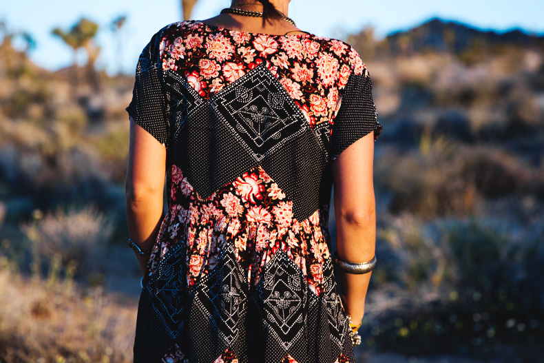 Joshua_tree-Coachella_2014-Festival_Outfit-Floral_Dress-Cut_Out_Boots-Braid-Desert-30