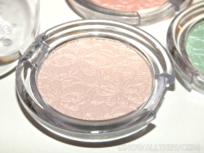 essence bloom me up! mono shadow- 01 bloomylicious