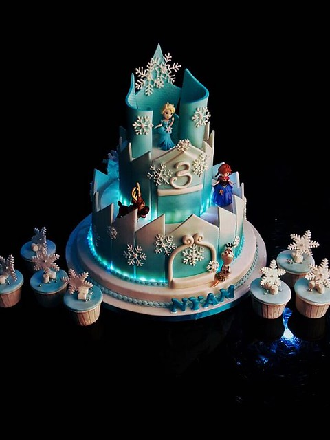 Frozen Castle by Shyha Shy of Bake&Decor