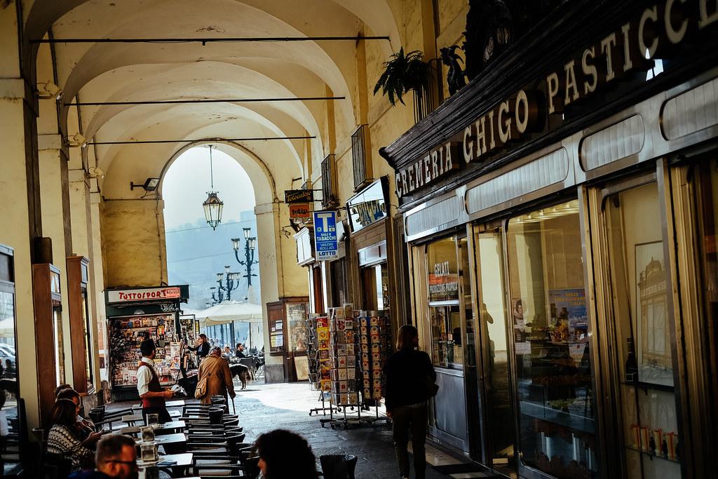 Sous les arcades de la Via Po à Turin.  Photo de Stijn Nieuwendijk