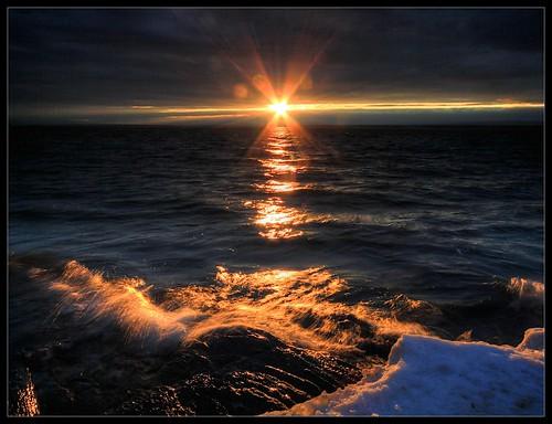 sunset sun snow water flickr vermont waves outdoor wideangle vt darkclouds lakechamplain northhero efs1022mmf3545usm borderfx hdrphotomatix116 polarizerneeded