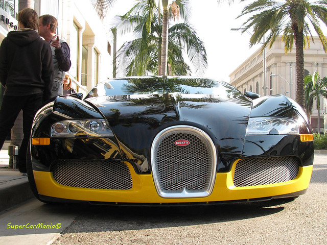 the gallery for bugatti veyron black and yellow. Black Bedroom Furniture Sets. Home Design Ideas