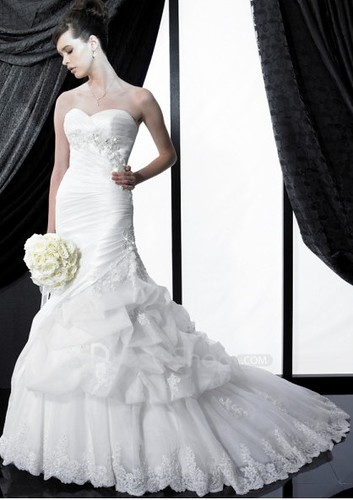 Chapel-Train-Strapless-Soft-Neckline-Organza-Mermaid-2011-White-Corset-Wedding-Dress