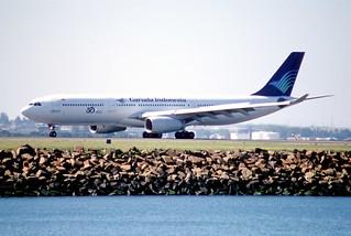 70ap - Garuda Indonesia Airbus A330-341; PK-GPA@SYD;04.09.1999